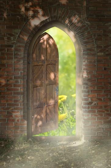 uchylone drzwi do nowego świata, perspektywa, klimatyczny obraz 3D