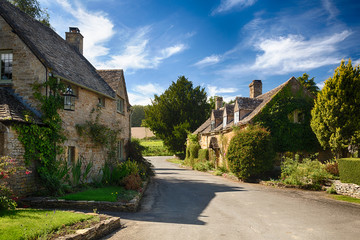 Old cotswold stone houses in Icomb