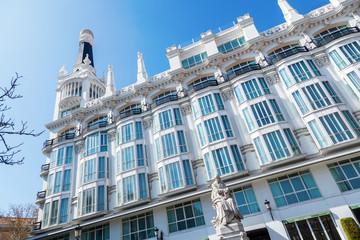historisches Hotel ME Madrid Reina Victoria in Madrid