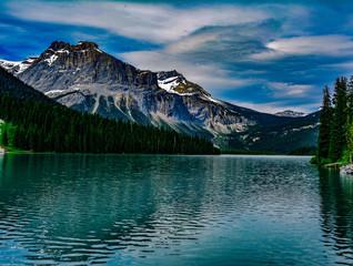 Emerald lake canada blue water