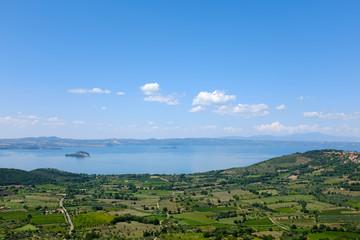 Versione cielo del Lago di Bolsena in Italia
