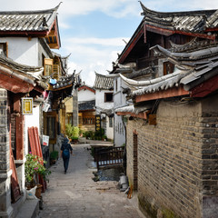 tourist walking on the streets of lijiang, china