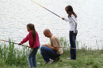 famille à la pêche
