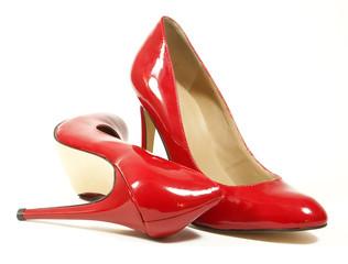 chaussures à talons vernies rouges