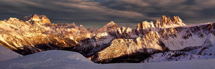 Croda da Lago o zachodzie słońca, Dolomity