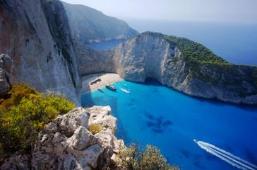 Widok na plażę w zatoce wraku na wyspie Zakynthos, Grecja