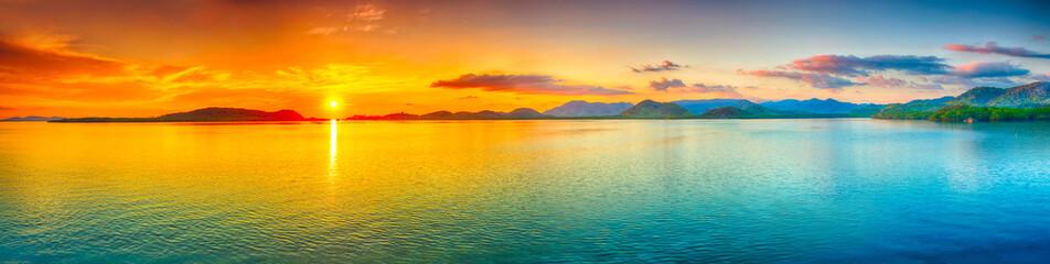 Panorama zachodu słońca