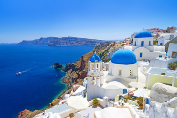 Biała architektura Oia wioska na Santorini wyspie, Grecja