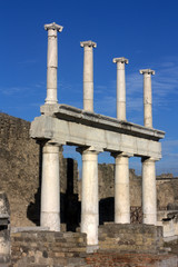 Pompei - Columns in the main square