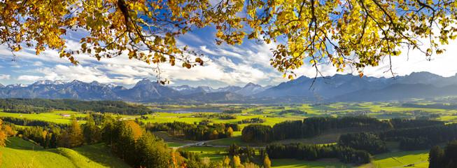 Panorama Landschaft in Bayern im Allgäu bei Füssen