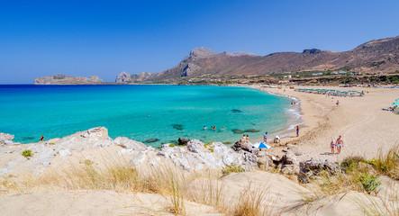 Widok na piękną plażę Falasarna na wyspie Krecie