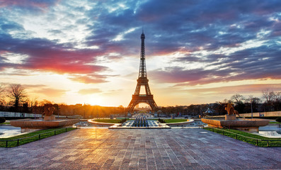 Sunrise in Paris, with Eiffel Tower