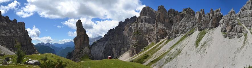 Dolomiti Friulane - Campanile di Val Montanaia (panorama)