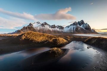 Vesturhorn Mountain, Islandia