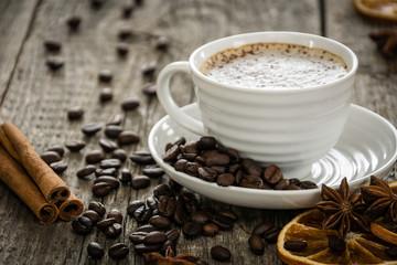 Aromatyczna kawa z cynamonem