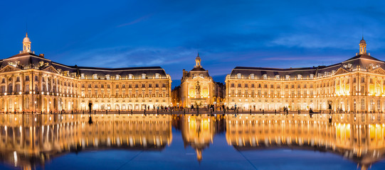Place la Bourse in Bordeaux, the water mirror by night, France
