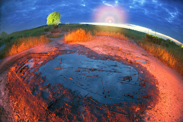 Mud-oil geyser