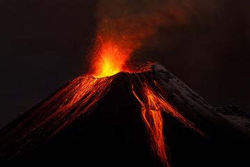 Erupcja nocy wulkanu Tungurahua