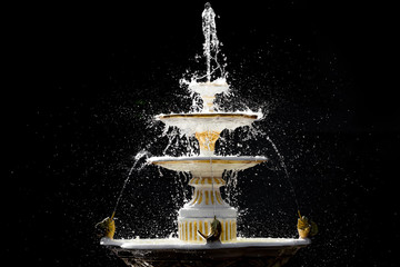 Isolated splash fountain