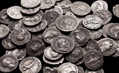 Autentyczne srebrne monety starożytnego Rzymu