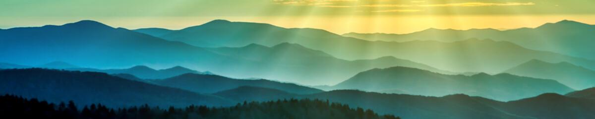 Dymiące grzbiety górskie