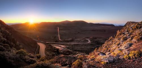 Lever du jour au à la Plaine des Sables, Réunion.
