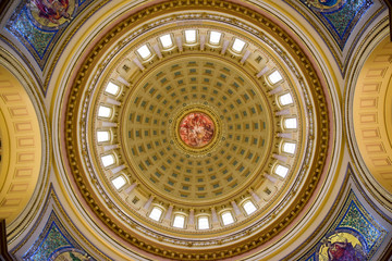 Pattern painting on the dome circular ceiling