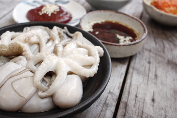 Sannakji octopus korean food