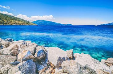 Morze i wyspy przeglądamy krajobraz podczas lata, Kefalonia Grecja