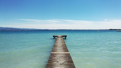 Sirmione pontile lago garda