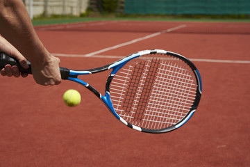 play tennis on the court