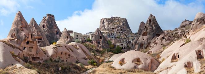 panorama zamku Uchisar w Kapadocji, Turcja