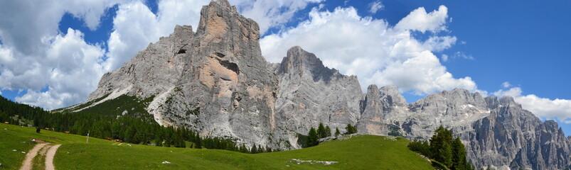 Dolomiti del Cadore - Monte Civetta  (panorama con vista verso torre Venezia)