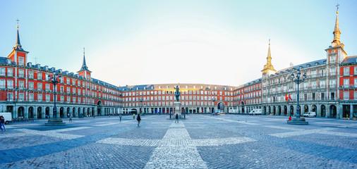 Poranne światło na Plaza Mayor w Madrycie, Hiszpania