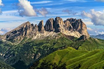 Dolomity - mocowanie Sassolungo z Val di Fassa, Trentino, Włochy