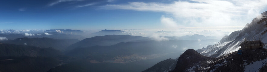 Góra krajobraz w chabeta smoka Śnieżnej górze lokalizować przy Lijiang, Yunnan, Chiny (Yulong Śnieżna góra).