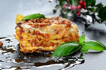 lasagne al forno fumanti - set Natalizio