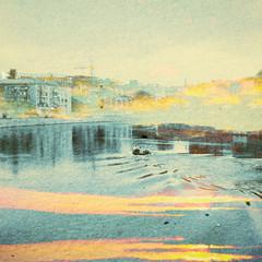 Fantasy ekologia streszczenie tło. Krajobraz miejski zmieszany z naturalnym na papierze. Vintage Retro Style