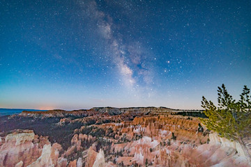 Milky Way over Bryce Canyon Utah between Moonset and Sunrise