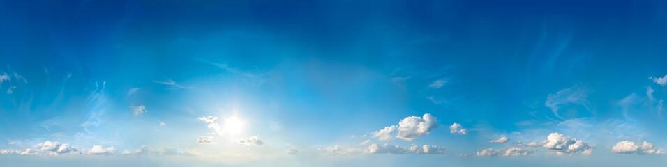 Bezproblemowa panorama nieba. 360 stopni.