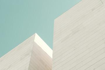 Architektura abstrakcyjna. Szczegół elewacji budynku z bloków kamiennych