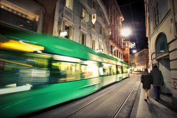 Nocny transport w mieście