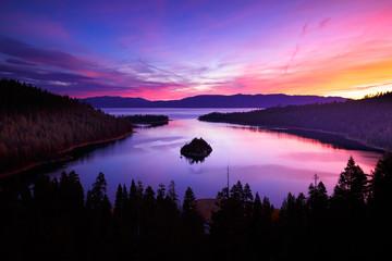 Wschód słońca w Emerald Bay