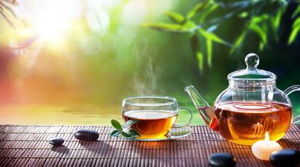 Teatime - relaks przy gorącej herbacie w ogrodzie zen