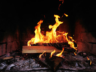 płomienie ognia, ognisko,