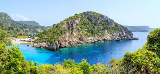 Panorama Paleokastritsa, miasteczko w Korfu, Grecja