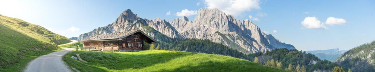 Panoramiczny widok w austriackich górach