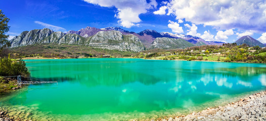 Unique turquoise lake Lago di Castel San Vincenzo in Molise, Italy
