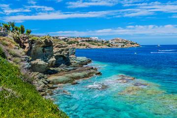 Widoki piękna natura brzeg i zatoki zatoka Agia Pelagia blisko Heraklion, Crete, Grecja.