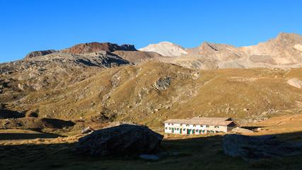 alba presso il rifugio Vittorio Sella - nel parco nazionale del Gran Paradiso
